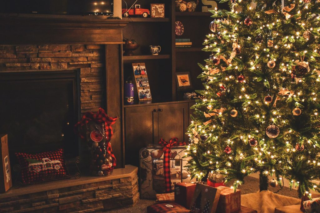 packing christmas decor
