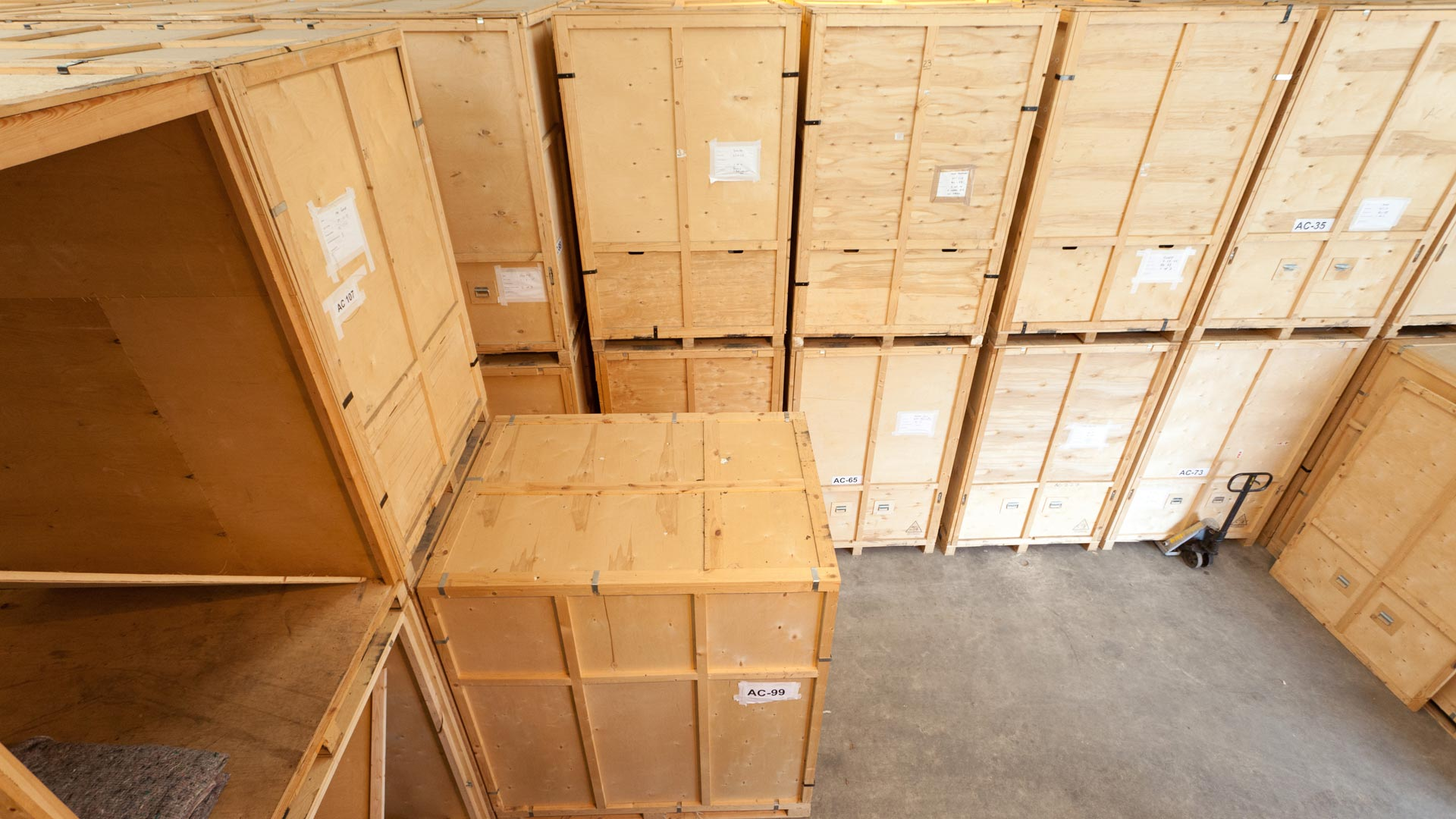 Greenwoods Removals & Storage a storage company in Unit 69 Glenmore Business Park, Chichester, UK