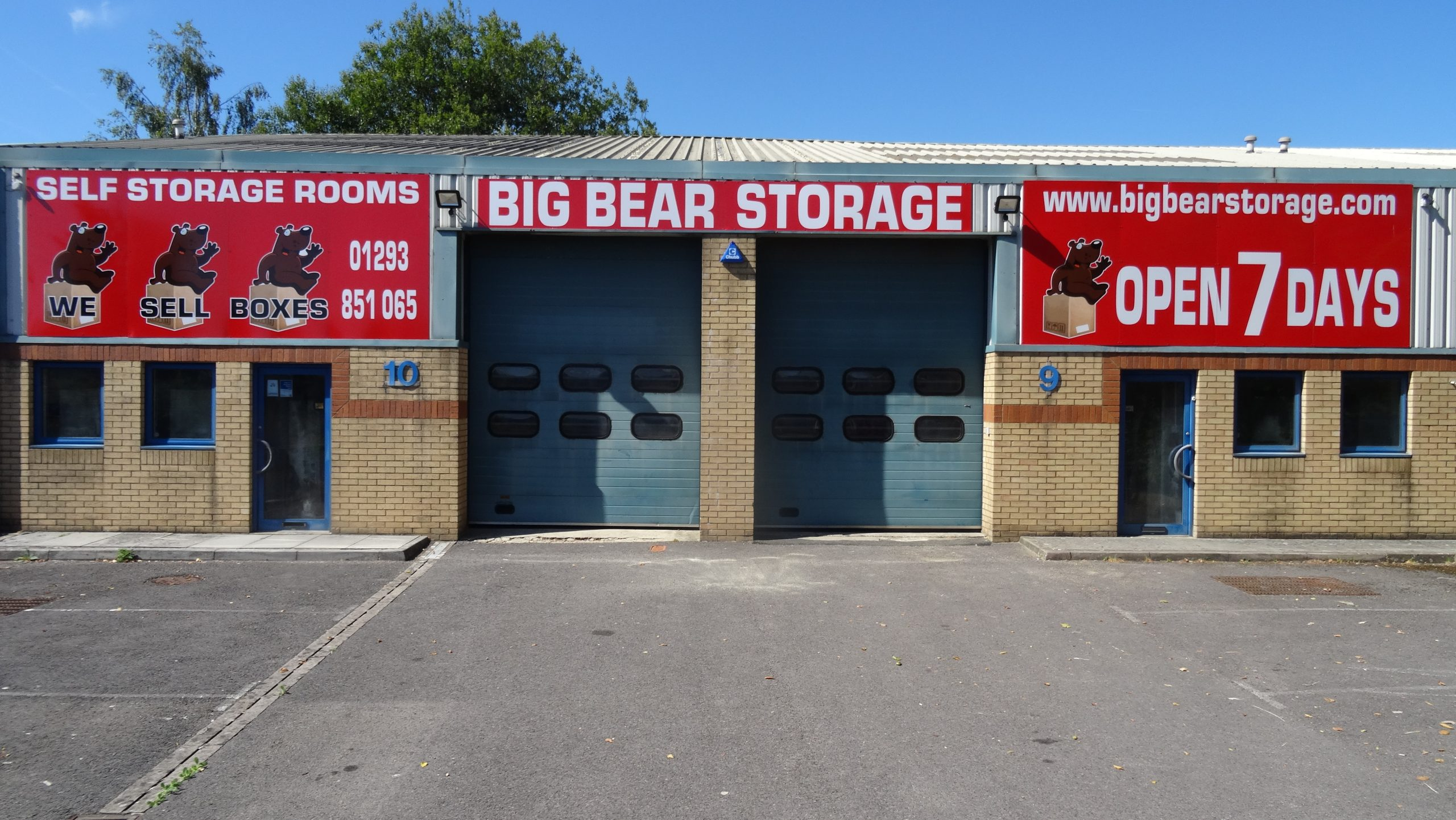 Big Bear Storage ( Horsham/CRAWLEY ) a storage company in Units 9-10 Faygate Business Centre Faygate Lane West Sussex, Horsham, UK